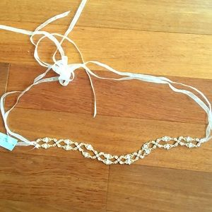 Accessories - Beautiful crystal and ribbon wedding belt!