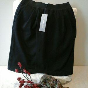 NY Collection Dresses & Skirts - HP👑 1/21/17👠Elegant Black skirt👠