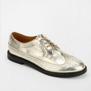Urban Outfitters Shoes - New bdg urban outfitters Christina wingtip oxford