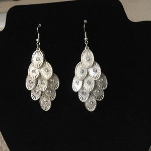 Jewelry - Beautiful silver earrings