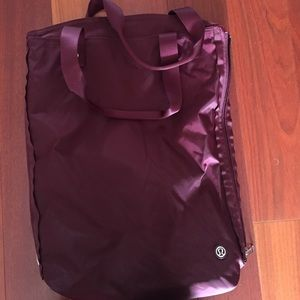 Lululemon Bring It Om Tote yoga/gym bag