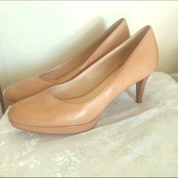 918618d76 Cole Haan Shoes - Cole Haan Nike Air nude pumps, size 9 (VGUC)