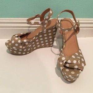 Polka dotted wedges!