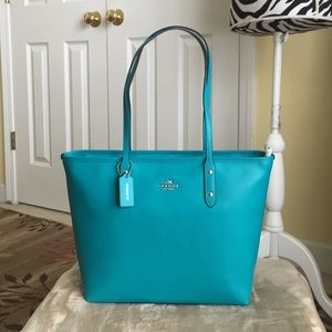 Coach Handbags - Authentic Coach Crossgrain Leather City Tote