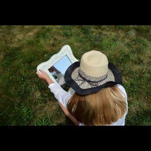 Black & Tan sun hat