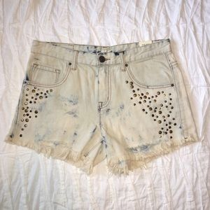 Urban Outfitters Pants - Urban Outfitters Light wash Studded Denim Shorts