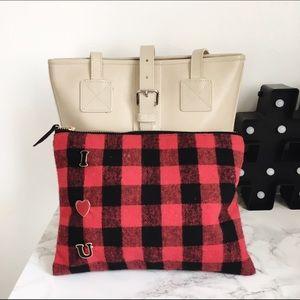 Handbags - I ❤️ U clutch