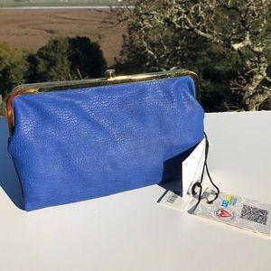 Blue Kiss lock Wallet New NWT Urban Expressions