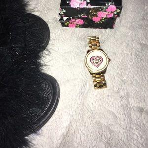 BETSEY JOHNSON goldtone watch