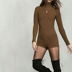ae80054ea63 Reformation Pants - BN Reformation Ervilla Bodysuit in Cocoa