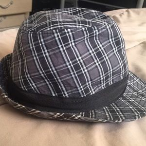 GAP plaid Fedora hat