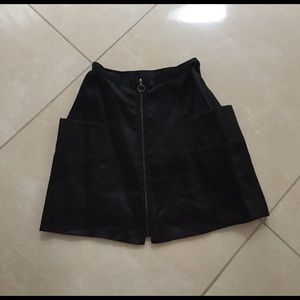 Alice + Olivia Dresses & Skirts - Mischen black silk exposed zipback skirt sz S
