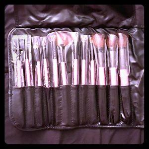karity Other - Karity Cosmetics Pink Makeup Brush Set NEW