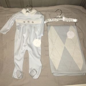 Edgehill Collection Other - NWT Edgehill Collection one piece with blanket