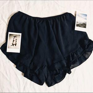 Brandy Melville vodi shorts (rayon material)