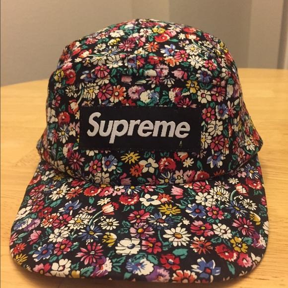 Supreme Floral Adjustable SnapBack Flat-bill Hat. M 586f1d49b4188ed26502a6d0 c5f77874391