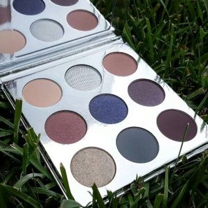 Other - Kylie Holiday Edition Shadow Palette
