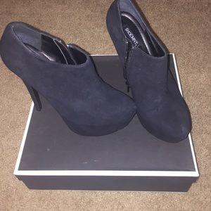 ShoeMint Mychele black suede ankle boots