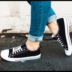 Black Rubber Cap Toe Lace Up Sneaker