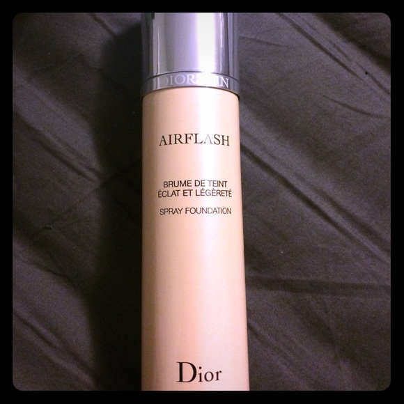 3ced6277 DIOR DiorSkin AIRFLASH Spray Foundation 200