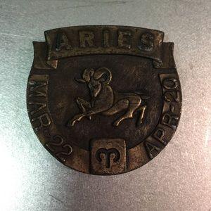 Accessories - ARIES BELT BUCKLE- Vintage