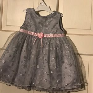 Other - EUC YOUNGLAND GRAY DRESS WITH TULLE