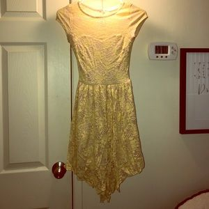 Dresses & Skirts - Mallory pale yellow dress with button down back