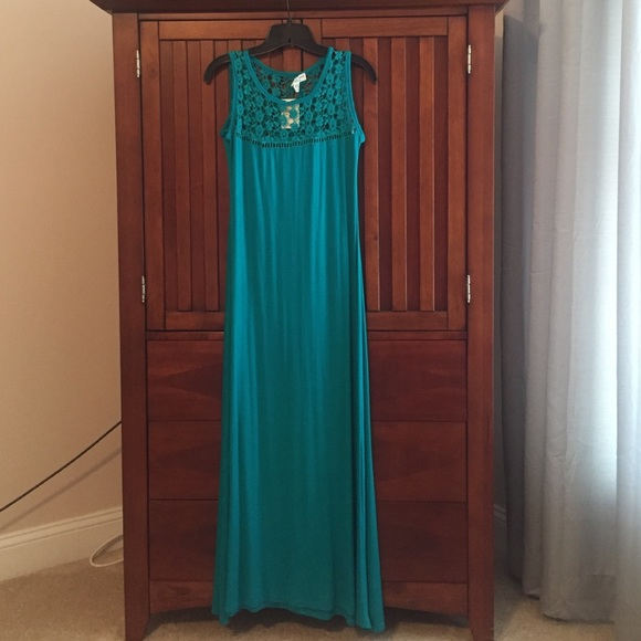 Studio West Dresses & Skirts - 🍸HP🍸 🆕 Studio West Maxi Dress