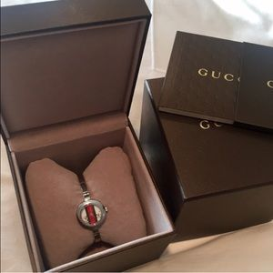 Gucci Accessories - 💯 Authentic GUCCI watch