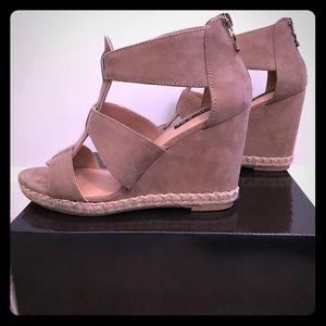 Shoes - NWOT - Tan Summer Wedges