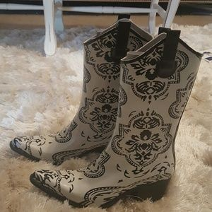 Journee Collection Shoes - Cowboy boots (galosh style)