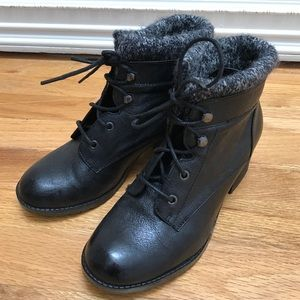 Yellow Box Shoes - Black leather snow bootie.