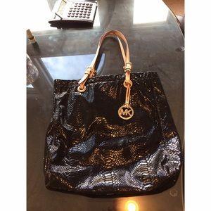 Michael Kors Handbags - Michael Kors snake skin bag 🐍