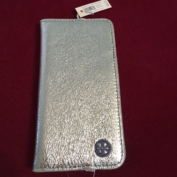 wholesale dealer 0275d 72330 🆕Tory Burch Silver Leather Folio IPhone 6 case. NWT