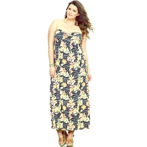 8daa60ca505 👗Torrid Zebra   Floral Strapless Maxi Dress. M 586fd24a4e95a327fe03b6ab