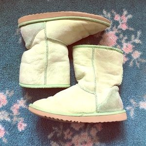 UGG Shoes - Ugg green short boots