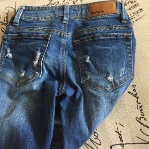 Dollhouse Jeans - Skinny destroyed denim capris ✨So Cute!