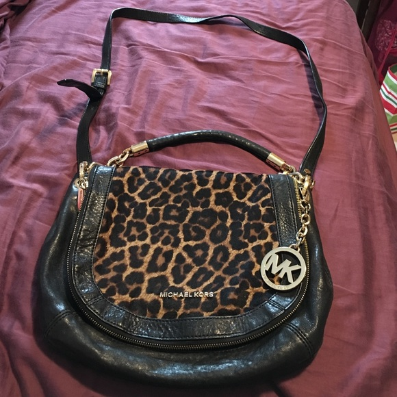 Cheetah Print Stranthorpe Cheetah Crossbody Bag. M 586fe7b8eaf030186e03fd0f 7190609d4a27f