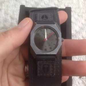 Nixon Accessories - NIXON Small Scout Watch