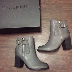 SHOEMINT Grey Ankle Booties