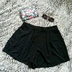 Jennifer Lopez Pants - Black flowy high waisted shorts