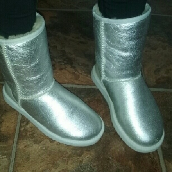 UGG CLASSIC SHORT SILVER METALLIC BOOTS 5