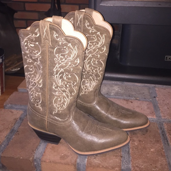 a28236e881b Country Outfitter Women's Cowgirl boots