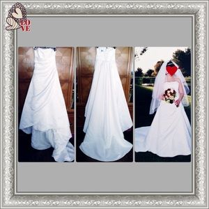 Beautiful Michaelangelo White Wedding Gown