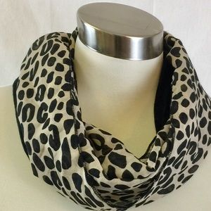 Accessories - Host Pick Leopard Print Infinity Scarf