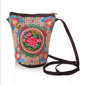 Handbags - New✨ Butterfly Embroidered Crossbody 😍✨