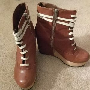Deena & Ozzy Shoes - Leather Wedge Ankle Boots