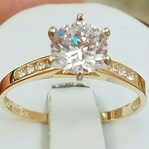Jewelry - Real 14k Solid yellow gold Round Engagement ring