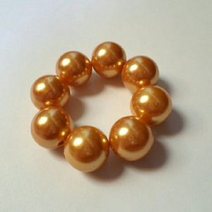 Moving! Must go! Gold Faux Pearl Hair Piece