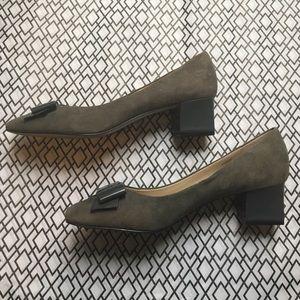Ellen Tracy Shoes - Ellen Tracy Block Heel in grey suede w/ bow detail